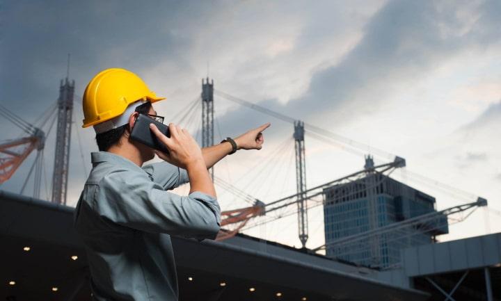 Experte auf der Baustelle